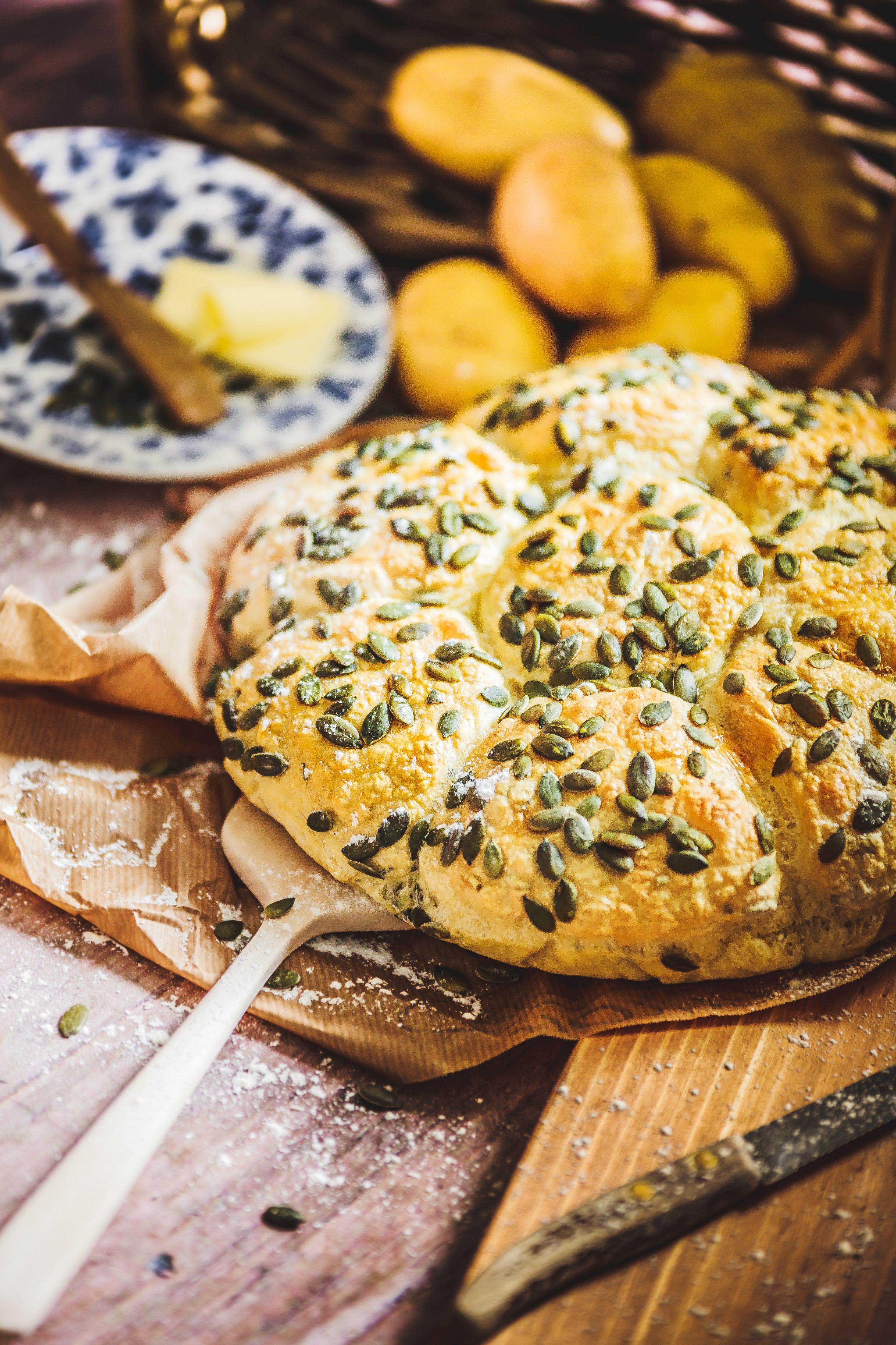 Recette pain Marguerite aux pommes de terre et graines de courge.