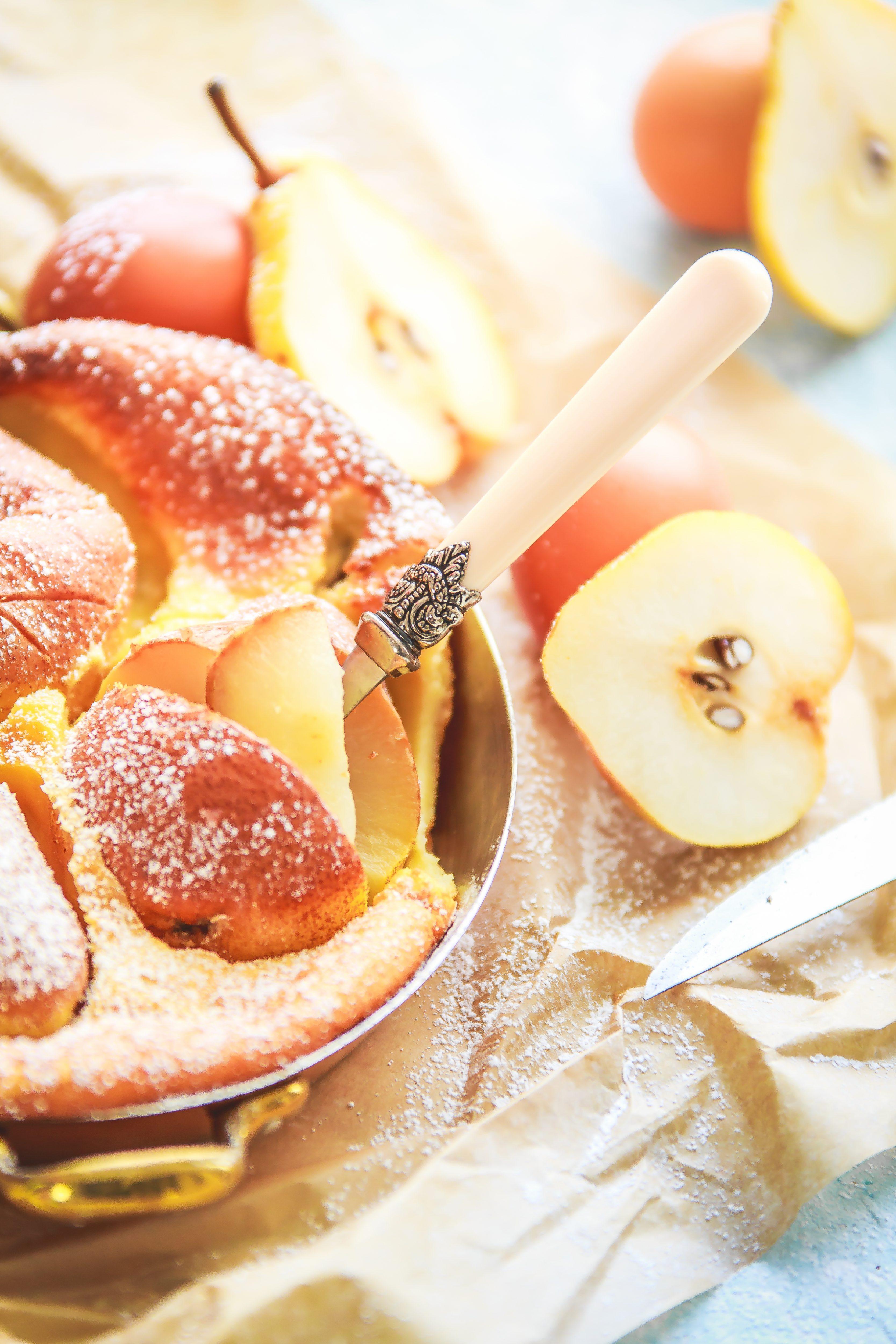 Recettes du Clafoutis aux poires. Photographe et styliste culinaire France.