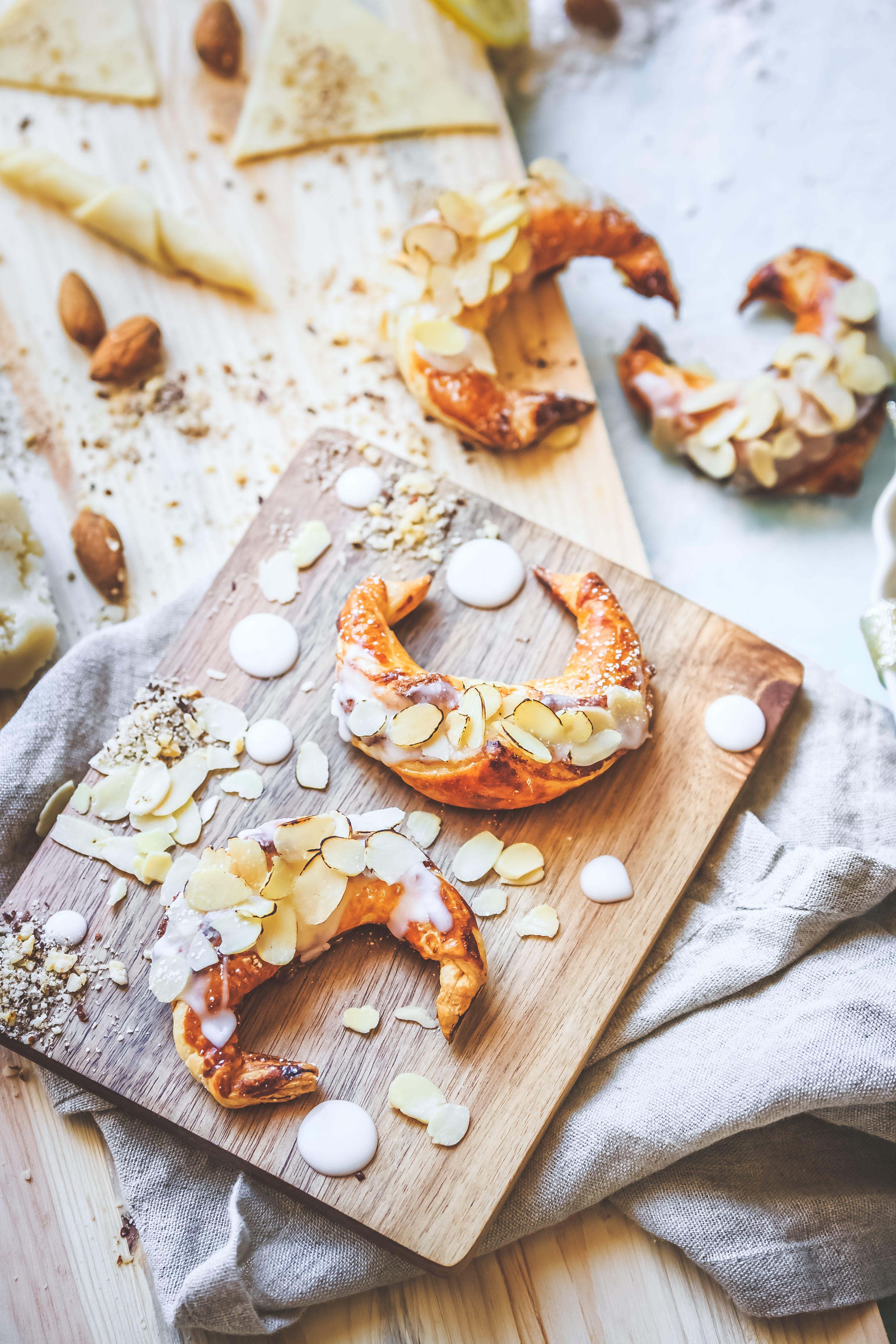 Recette Croissants feuilletés aux amandes.