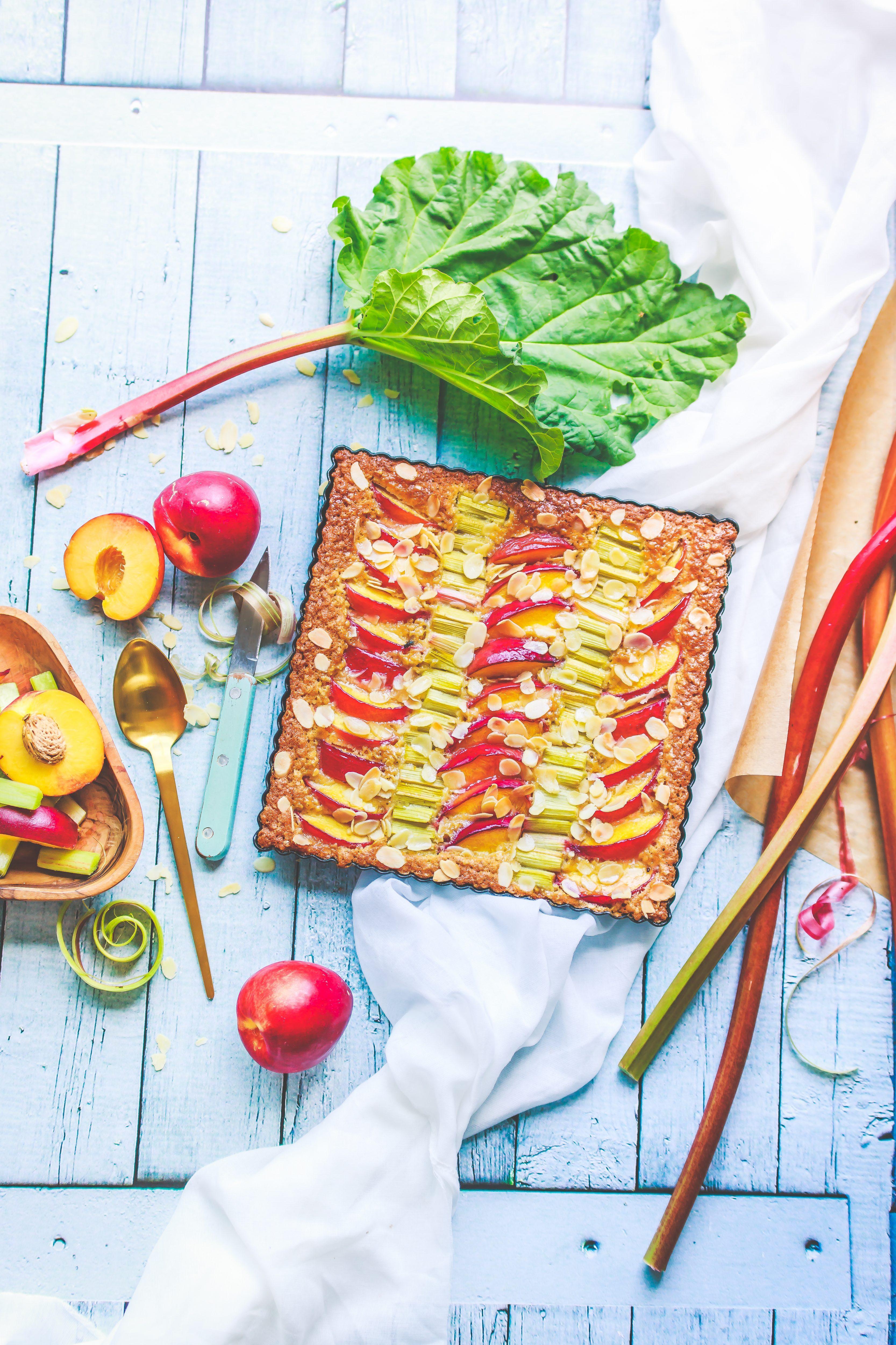 Recette Tarte aux nectarines, rhubarbes et flocons d'avoine