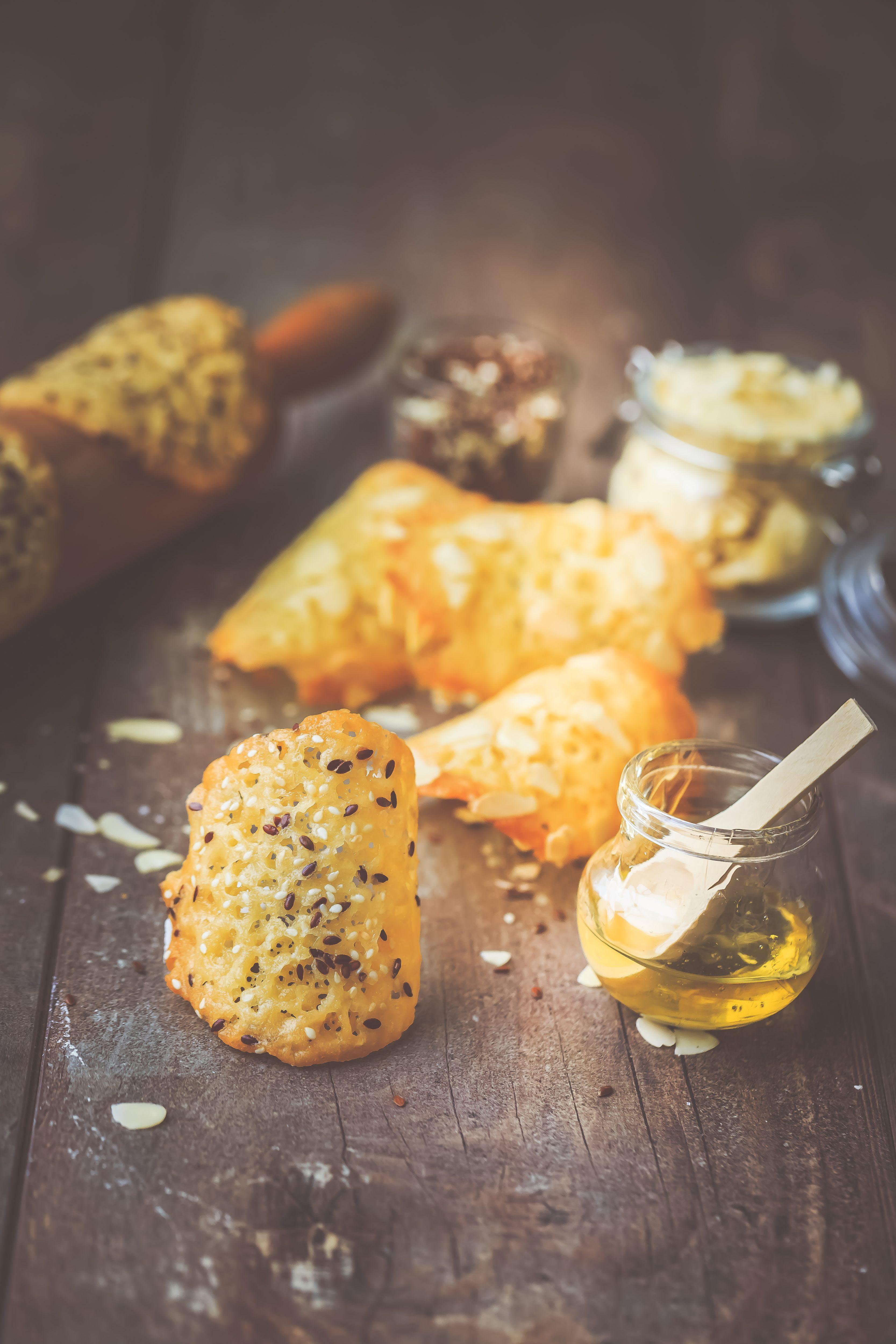Recette facile Tuiles, miel, amandes et graines de lin, sésame